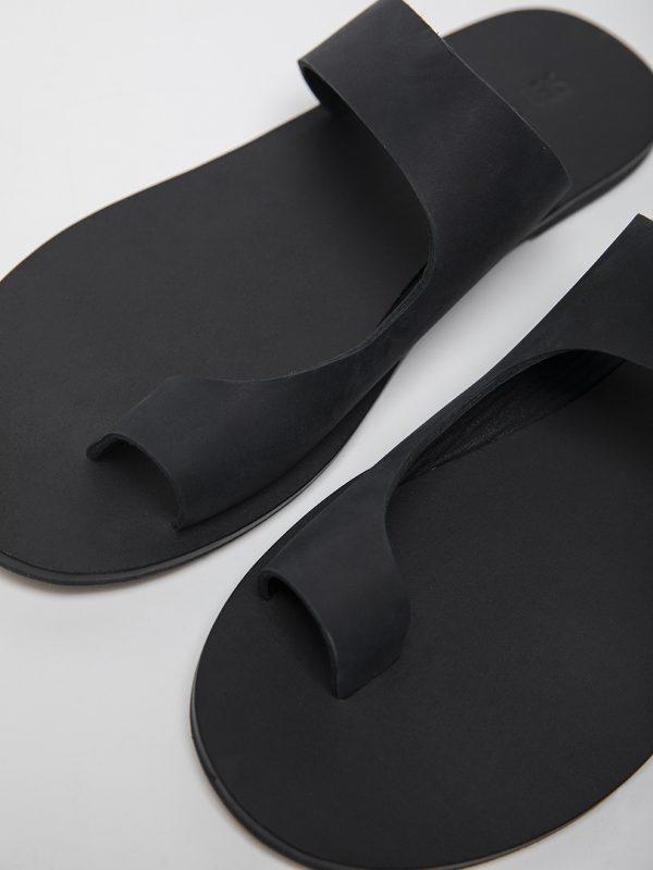 S022 - BLACK - CLOSE UP